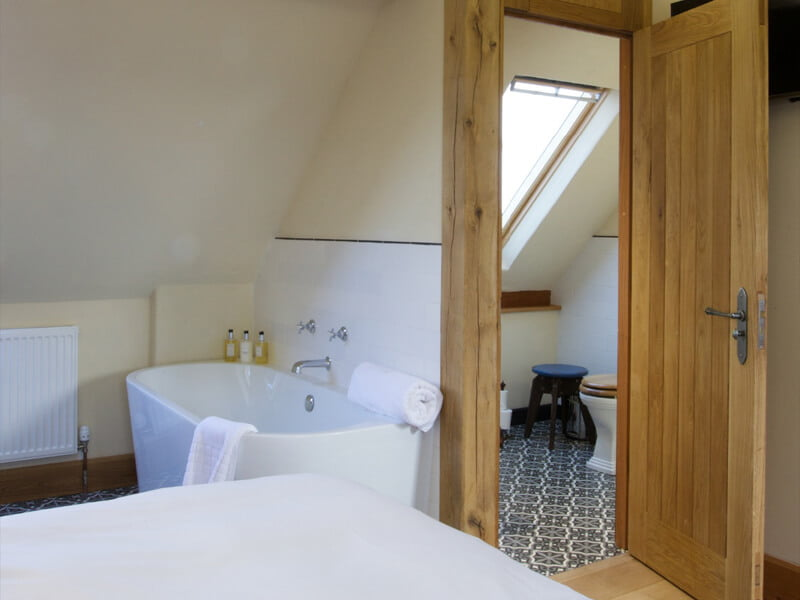 Eckington Manor Rooms Deluxe Bathroom
