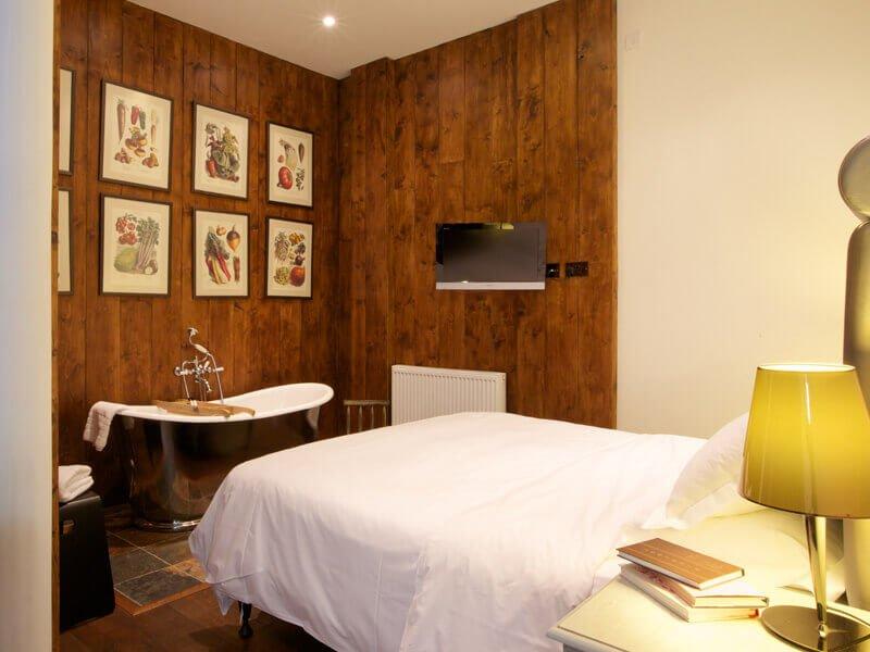 Eckington Manor Rooms Deluxe Wood Panels