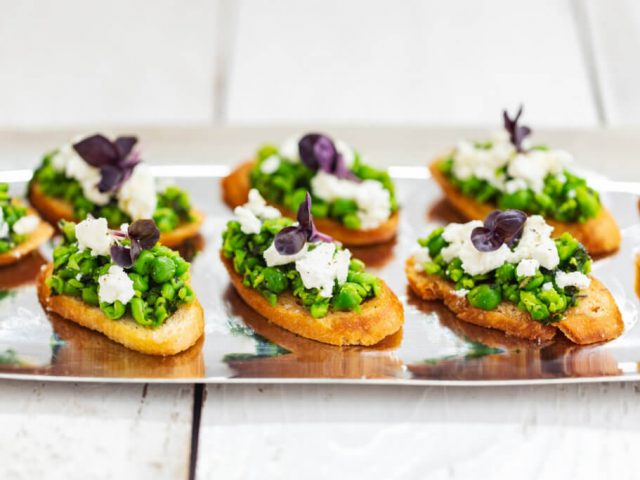 barn-wedding-food-menu-canapes
